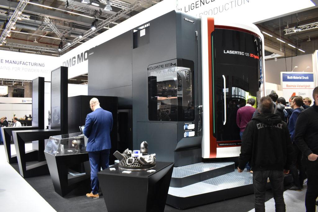 LASERTEC 125, DMG Moris senaste hybridmaskin, visades upp för första gången under mässan Formnext i Frankfurt.