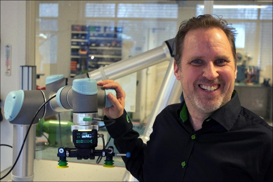 Anders Holm arbetar som produktionsingenjör Piab. En global organisation som har dotterbolag och distributörer i närmare 70 länder, 430 anställda och drygt 1 miljard kronor i försäljning 2017.