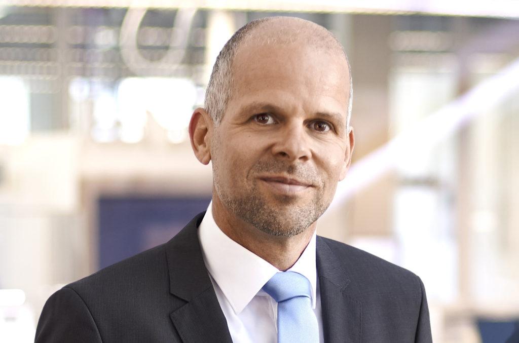 Adrian Kepler,vd EOS.