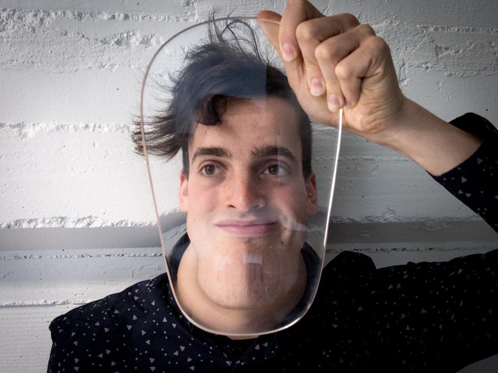 """En av de tidigare vinnarna i Cool Idea Awards, Strange Lenses, som ska bidra till interaktion mellan människor. Foto via <a href=""""http://www.strangelenses.com/#video-1"""">Strange Lenses </a>"""