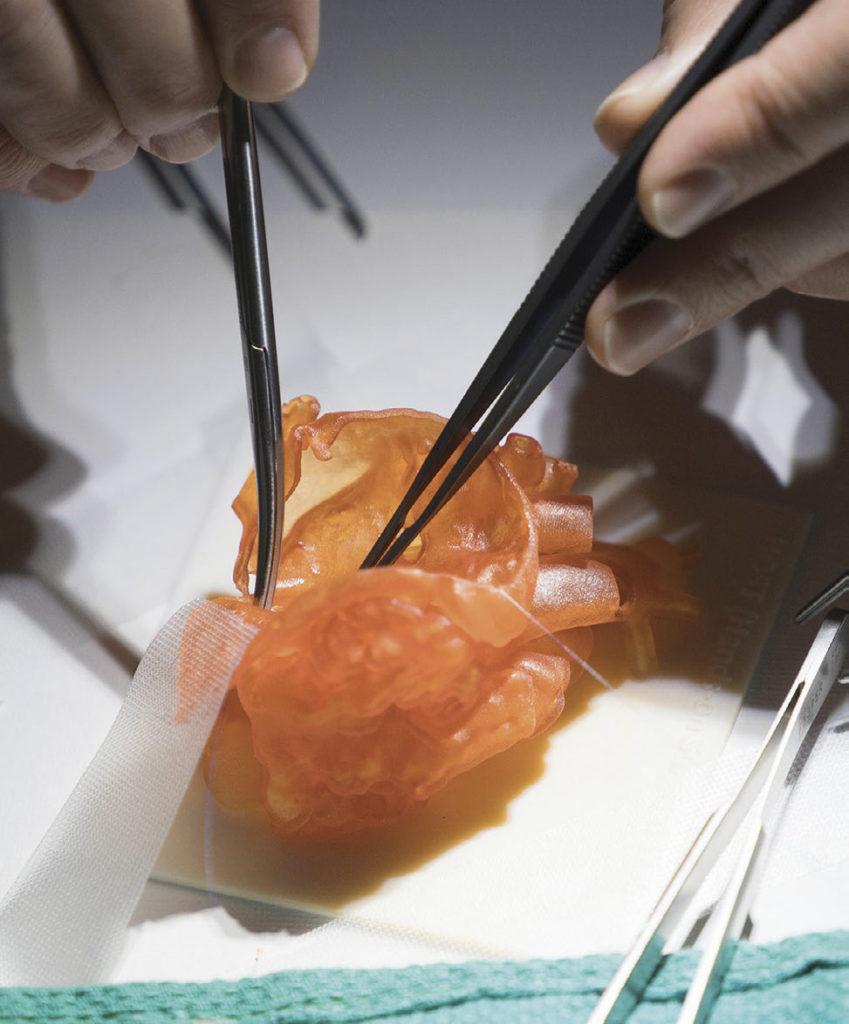 Den nya skrivaren ska bidra till bättre modeller för läkare och kirurger att öva på.