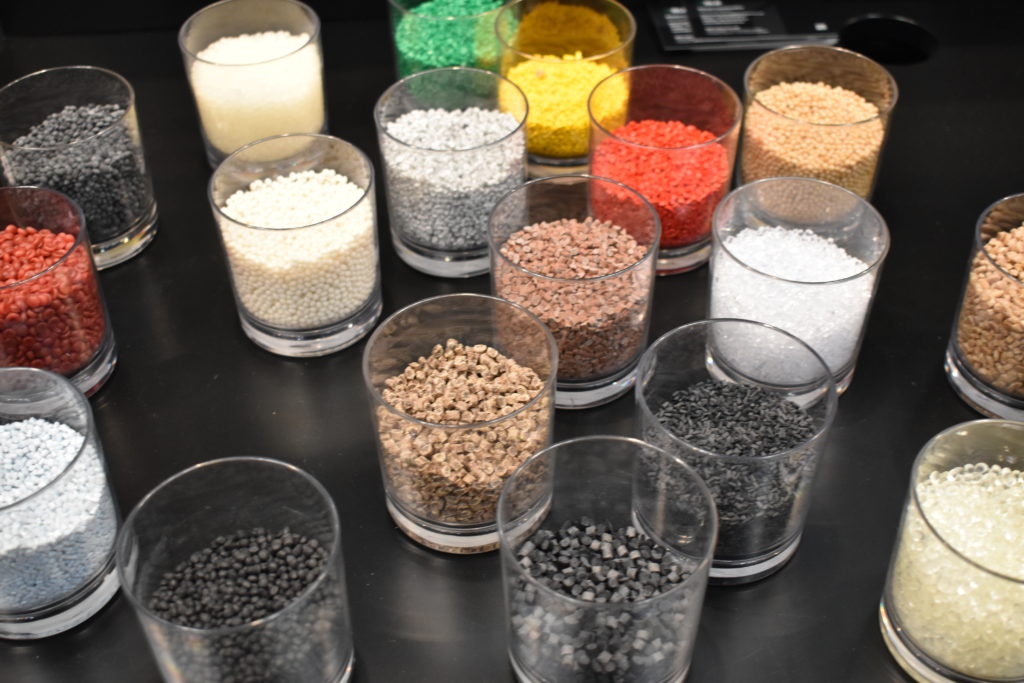 Granulat i olika blandningar.