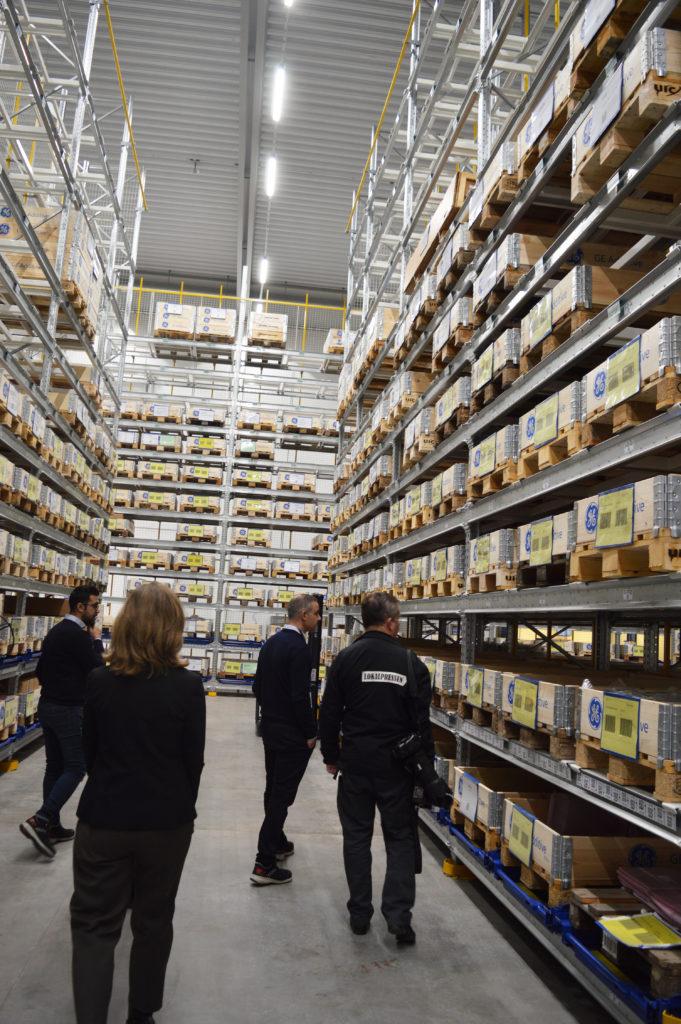 Ett större lager har också möjliggjort en säkrare och mer övervakad godshantering enligt personalen.
