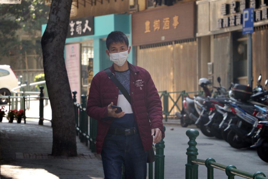Coronaviruset startade staden Wuhan, i provinsen Hubei i Kina. Därefter har det rapporterats att flera tusen människor misstänkts vara smittade.